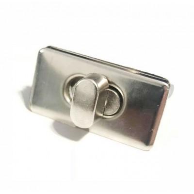 Κλειδαριά 32